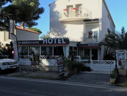 Hyeres hotels with restaurants
