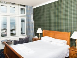 Dunoon hotels with sea view