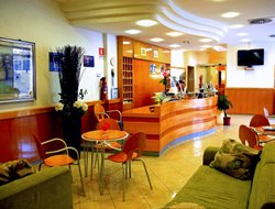 Sperlonga hotels with restaurants
