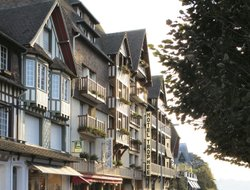 Top-10 hotels in the center of Deauville