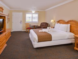 Top-4 hotels in the center of Cayucos