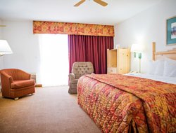Wickenburg hotels with swimming pool