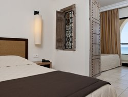 Pets-friendly hotels in Midoun