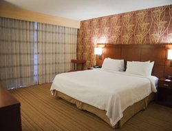 Bossier City hotels with swimming pool