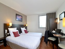 Gennevilliers hotels with restaurants