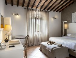 Top-6 hotels in the center of Castellina in Chianti