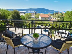 Tivat hotels with restaurants