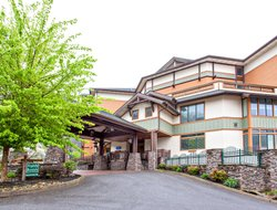 Gatlinburg hotels with swimming pool