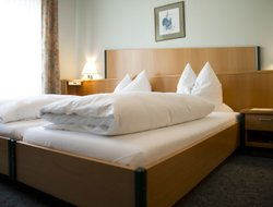 Ansbach hotels with restaurants