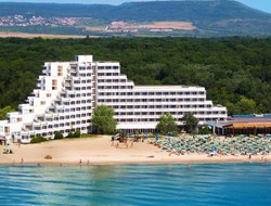 Albena hotels for families with children