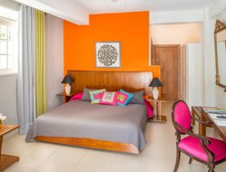 Pets-friendly hotels in Petionville