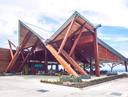 Solomon Islands hotels with restaurants