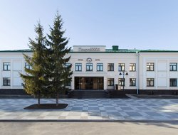Pskov hotels with swimming pool