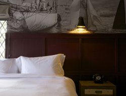 Lymington hotels with restaurants