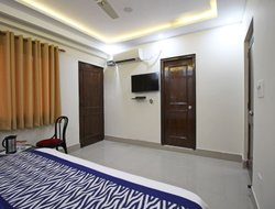 Dehradun hotels with swimming pool
