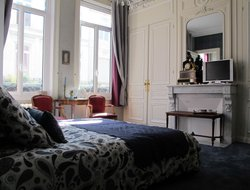 Lille hotels with restaurants