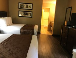 Pets-friendly hotels in Colton