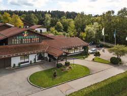 Waldkirchen hotels with restaurants