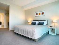 Mount Maunganui hotels with swimming pool