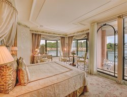 Top-10 romantic Venice hotels