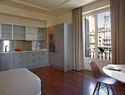 Barcelona hotels with restaurants