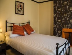 Pets-friendly hotels in Farnborough