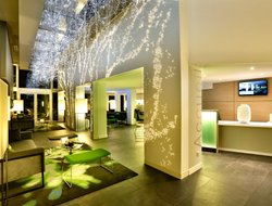 Pets-friendly hotels in Chantilly