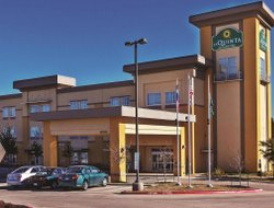 Cedar Park hotels for families with children