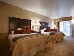 Top-5 romantic Monterey hotels