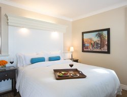 Los Angeles hotels with restaurants