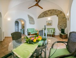 Pets-friendly hotels in Cefalu