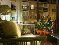 Granada hotels with restaurants
