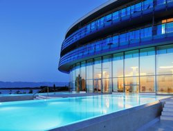Donje Petrcane hotels with swimming pool