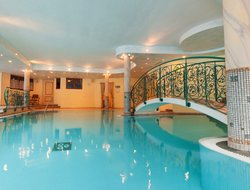 Fulpmes hotels with swimming pool