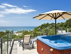 Noosaville hotels with swimming pool
