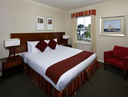 Lorne hotels with sea view