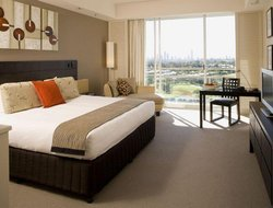 Gold Coast hotels with restaurants