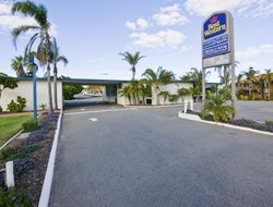 Geraldton hotels with swimming pool