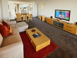 Caloundra hotels with sea view