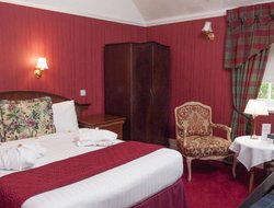 Paisley hotels with restaurants