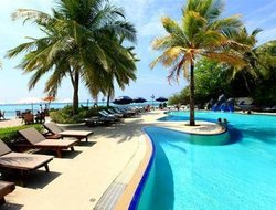 Hulhumale hotels with swimming pool