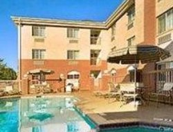 Coppell hotels with swimming pool