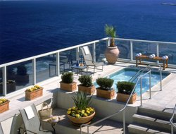 Top-10 romantic Monterey hotels