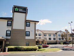 Pets-friendly hotels in Kennesaw