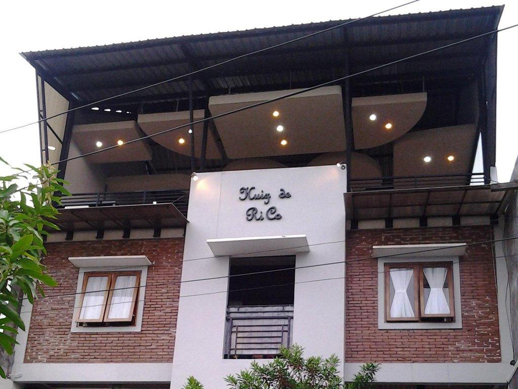 RedDoorz Syariah Guesthouse
