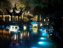 Hangzhou hotels with restaurants