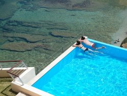 Top-3 romantic Agia Pelagia hotels