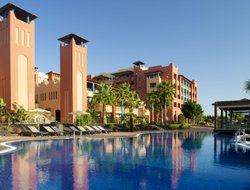 Costa Calma hotels with restaurants