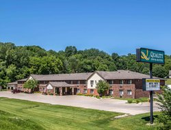 Pets-friendly hotels in Decorah