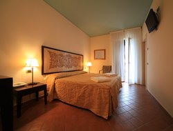 Top-3 romantic Vulcano Porto hotels
